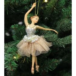 Ballerina med perler
